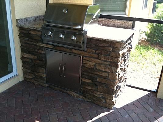 Outdoor kitchen remodeling kitchen design brandon for Outdoor kitchen designs florida